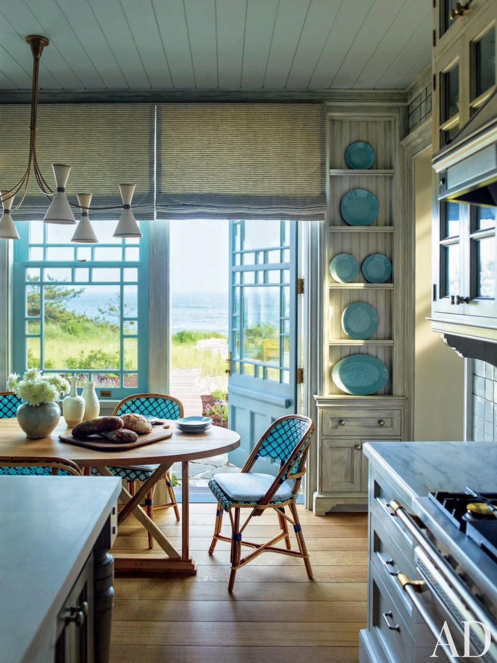Contemporary Kitchen by S.R. Gambrel Inc. and Robert A.M. Stern Architects in East Quogue, New York