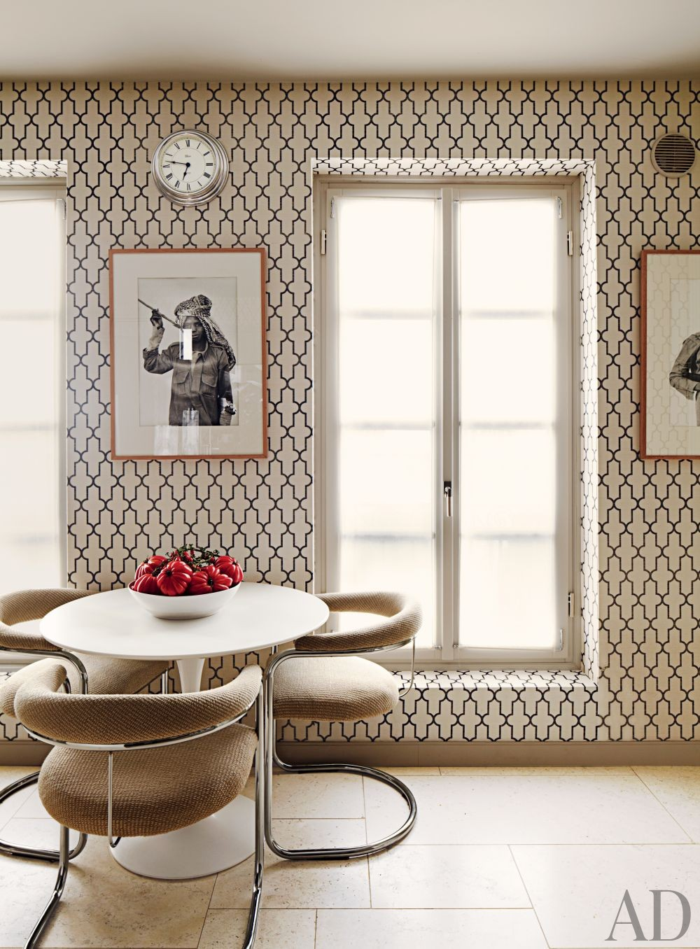 Contemporary Kitchen by Timothy Whealon Inc. and Bureau D\'Architecture Marc Corbiau in Monte Carlo, Monaco