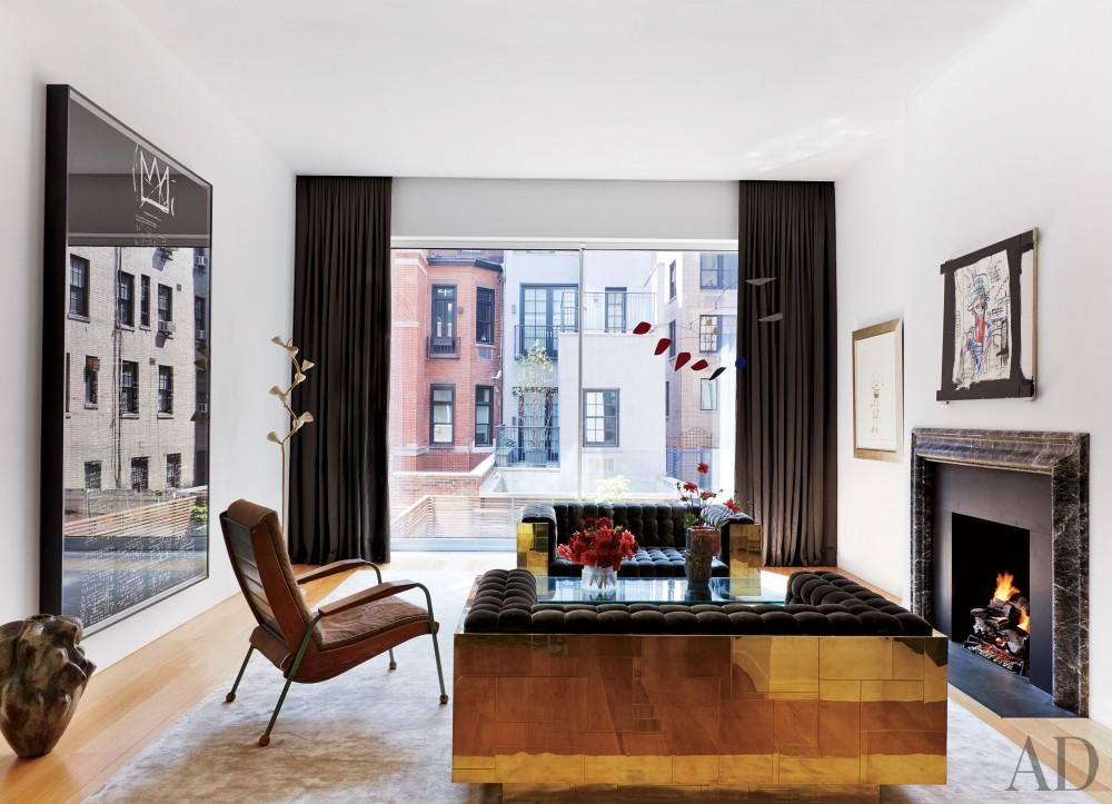 Contemporary Living Room by D'Apostrophe Design and Selldorf Architects in New York, New York