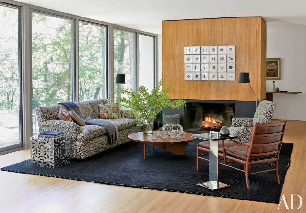 Contemporary Living Room by Michael Formica Inc. in New Canaan, Connecticut