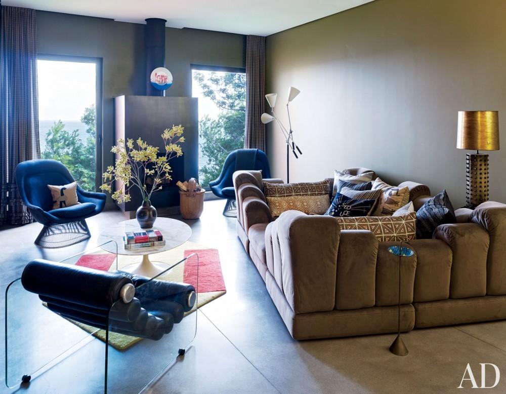 Contemporary Living Room by Muriel Brandolini and Raffaella Bortoluzzi in Hampton Bays, New York