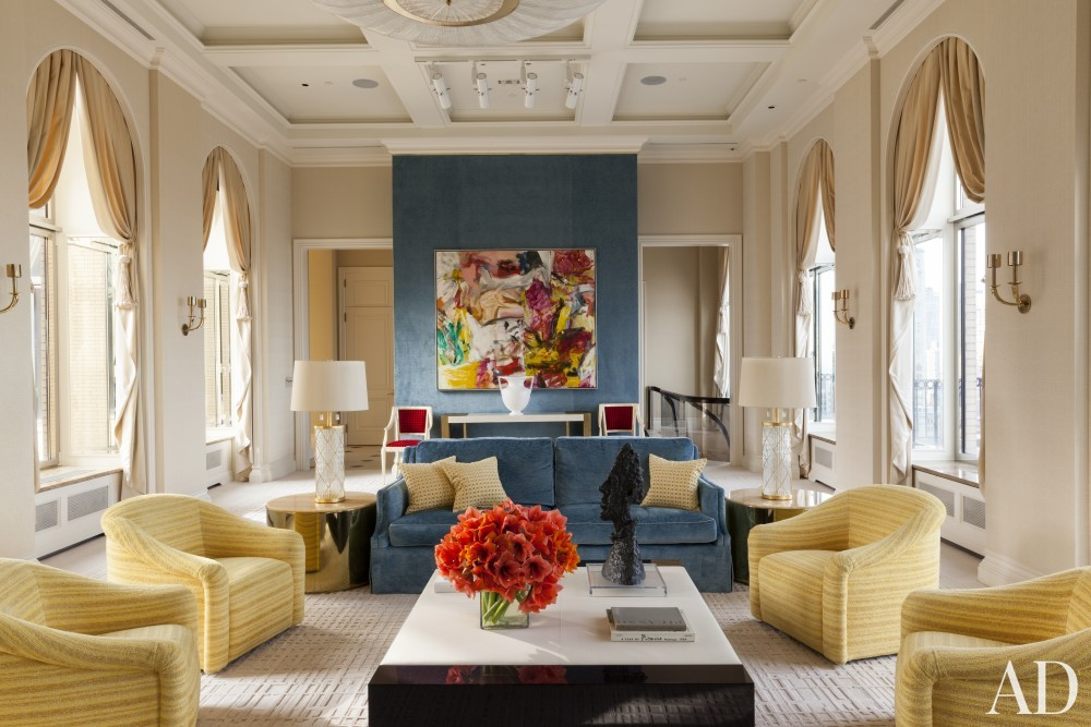 Contemporary Living Room by Roger Thomas, Wynn Design & Development in New York, New York