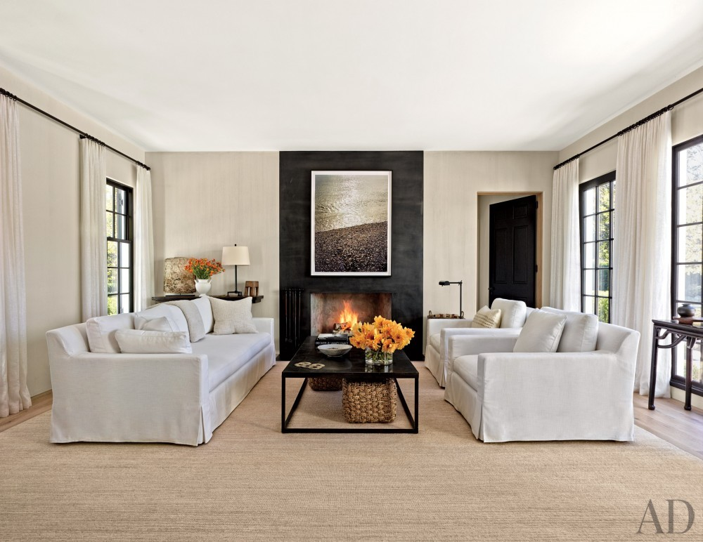Contemporary Living Room by Sawyer | Berson and Sawyer | Berson in Southampton, NY