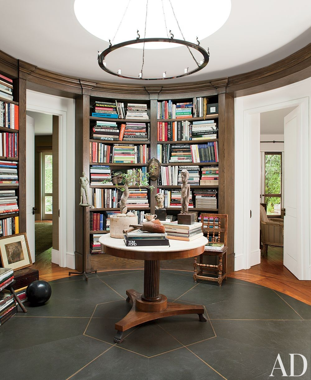 Contemporary Office/Library in Beverly Hills, California
