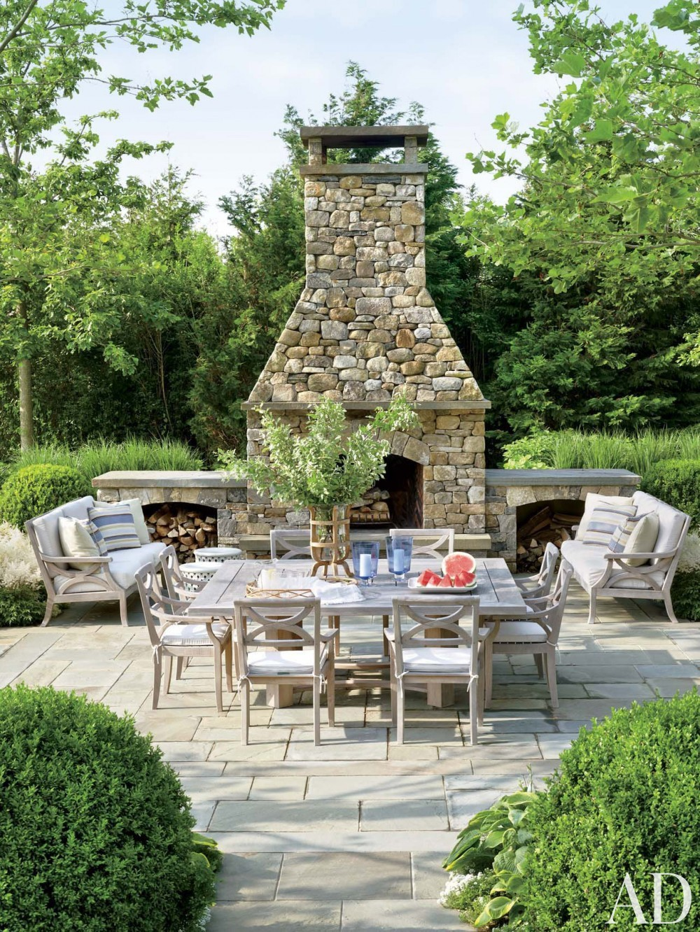 Contemporary Outdoor Space by Carrier and Company Interiors and John David Rose in Southampton, New York