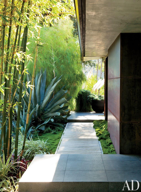 Contemporary Outdoor Space by Desiderata Design in Los  Angeles, California