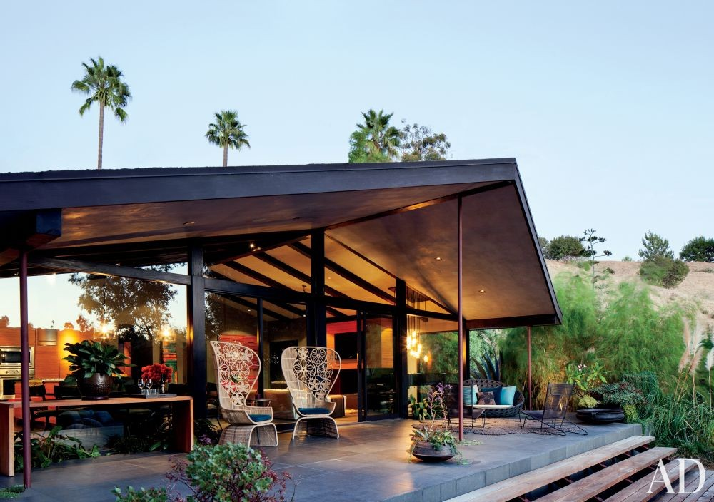 Contemporary Outdoor Space by Desiderata Design in Los Angeles, California
