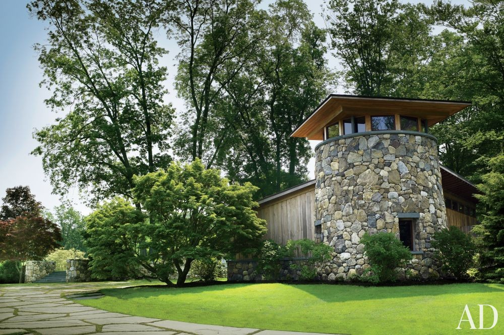 Contemporary Outdoor Space by Ike Kligerman Barkley Architects in Hudson Valley, New York