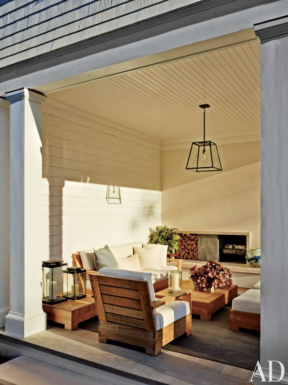 Contemporary Outdoor Space by Sawyer | Berson and Sawyer | Berson in Southampton, NY