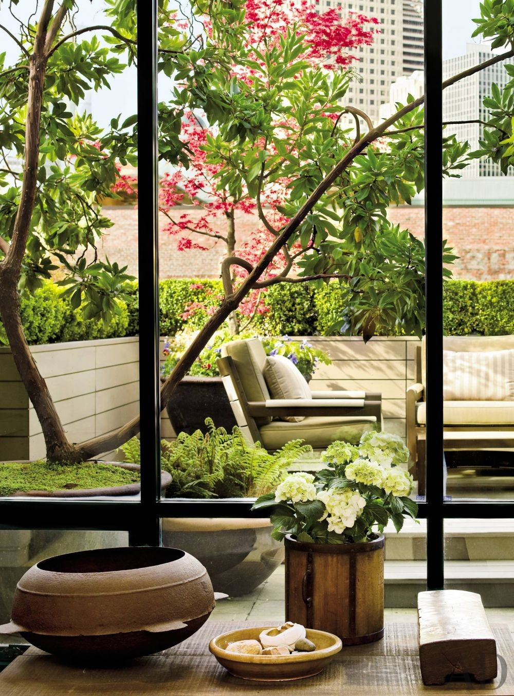 Contemporary Outdoor Space by Terry Hunziker in Seattle, Washington