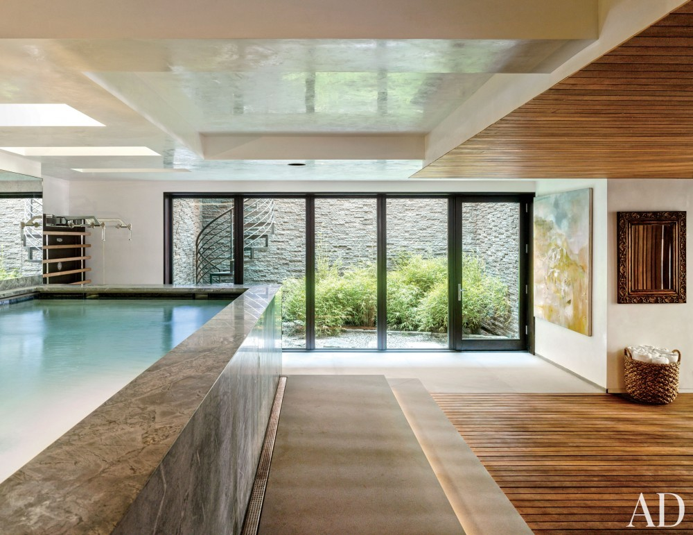 Contemporary Pool by Laura Santos and 1100 Architect in New York, New York