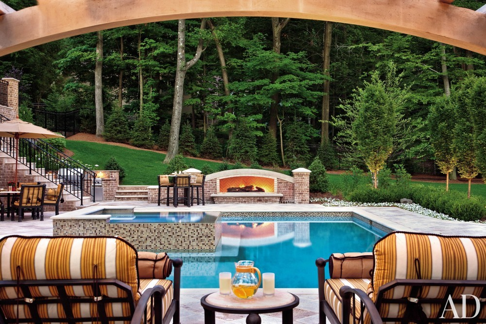 Contemporary Pool by Martin P. Mitchell and James Paragano in Alpine, New Jersey