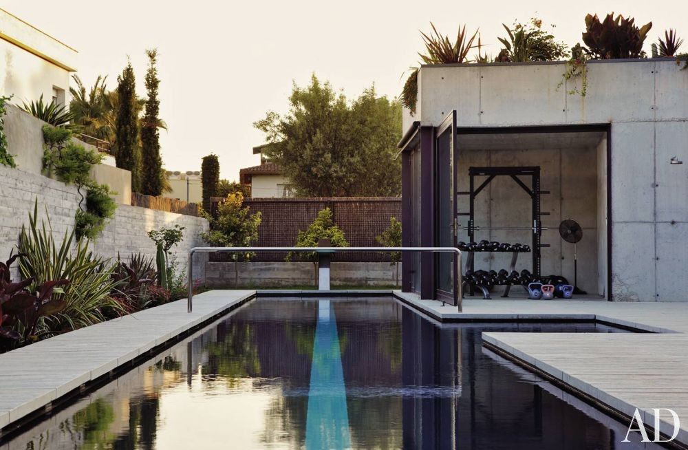 Contemporary Pool and Olson Kundig Architects in Sitges, Spain