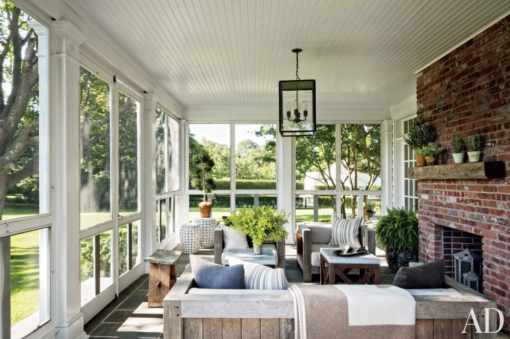 Contemporary Porch by Rebecca Bond in Bridgehampton, New York