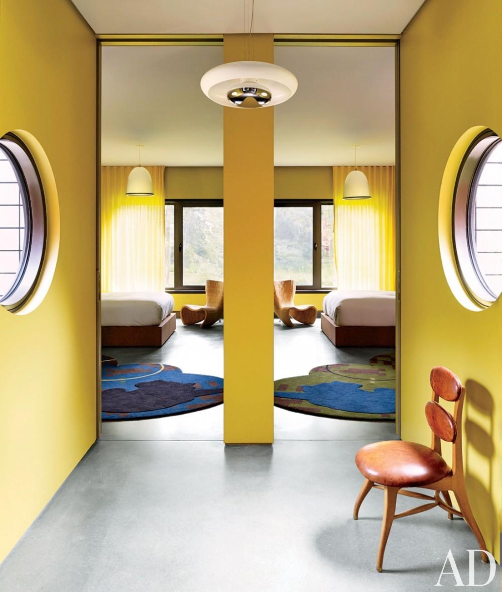 Contemporary Staircase/Hallway by Muriel Brandolini and Raffaella Bortoluzzi in Hampton Bays, New York