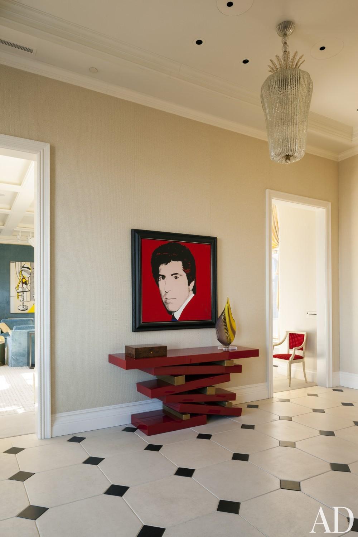 Contemporary Staircase/Hallway by Roger Thomas, Wynn Design & Development in New York, New York