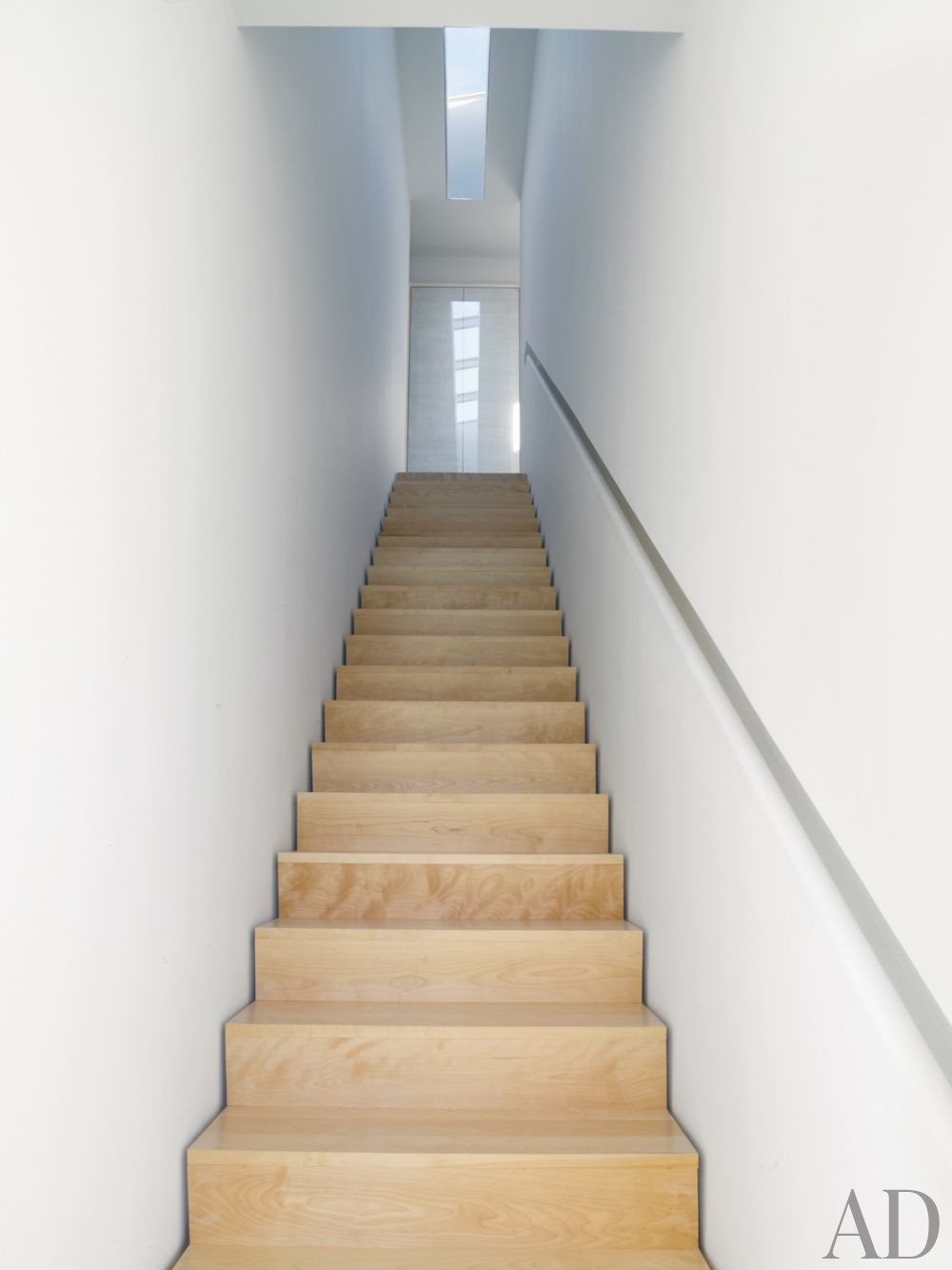 Contemporary Staircase/Hallway by Toshiko Mori Architect in Hudson Valley, New York