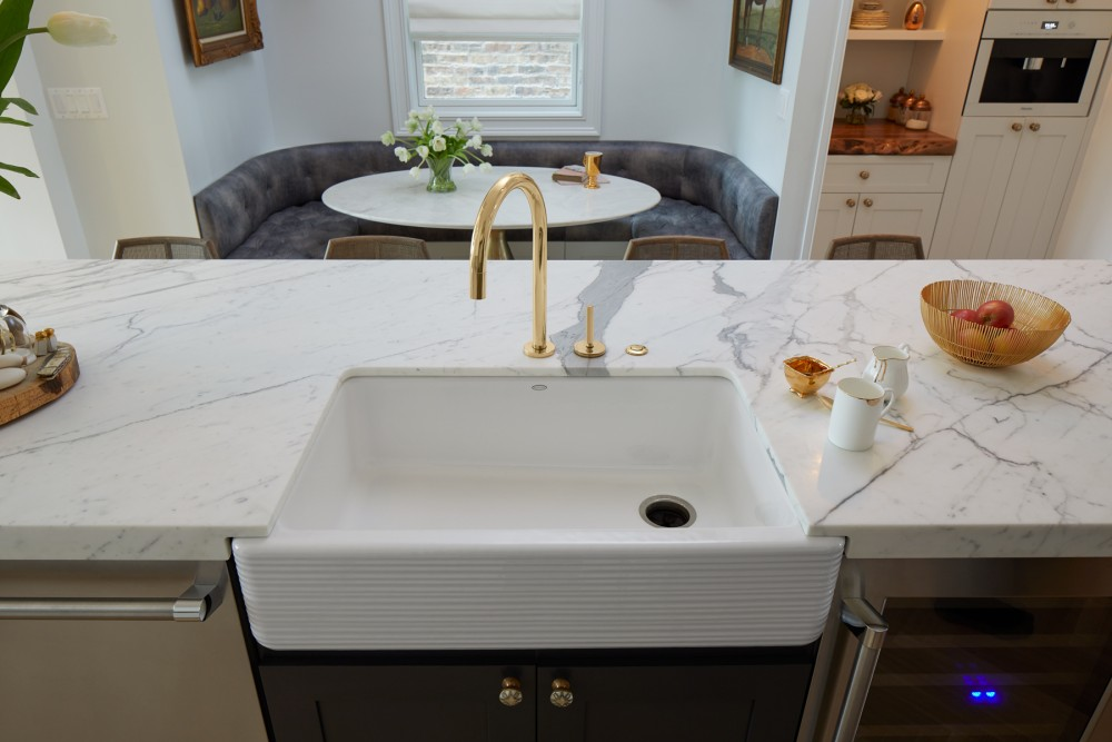 One™ kitchen faucet   Whitehaven® Hayridge  kitchen sink    The versatile farmhouse sink adds instant charm.