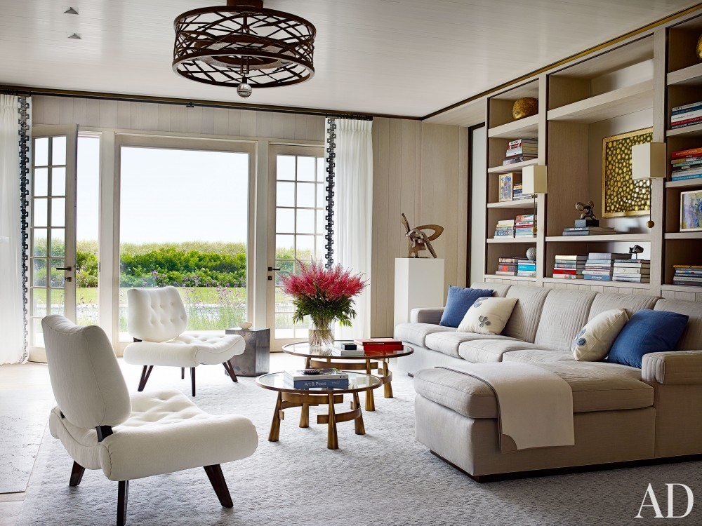 Beach Living Room by Cullman & Cravis and Ike Kligerman Barkley in Sagaponack, NY