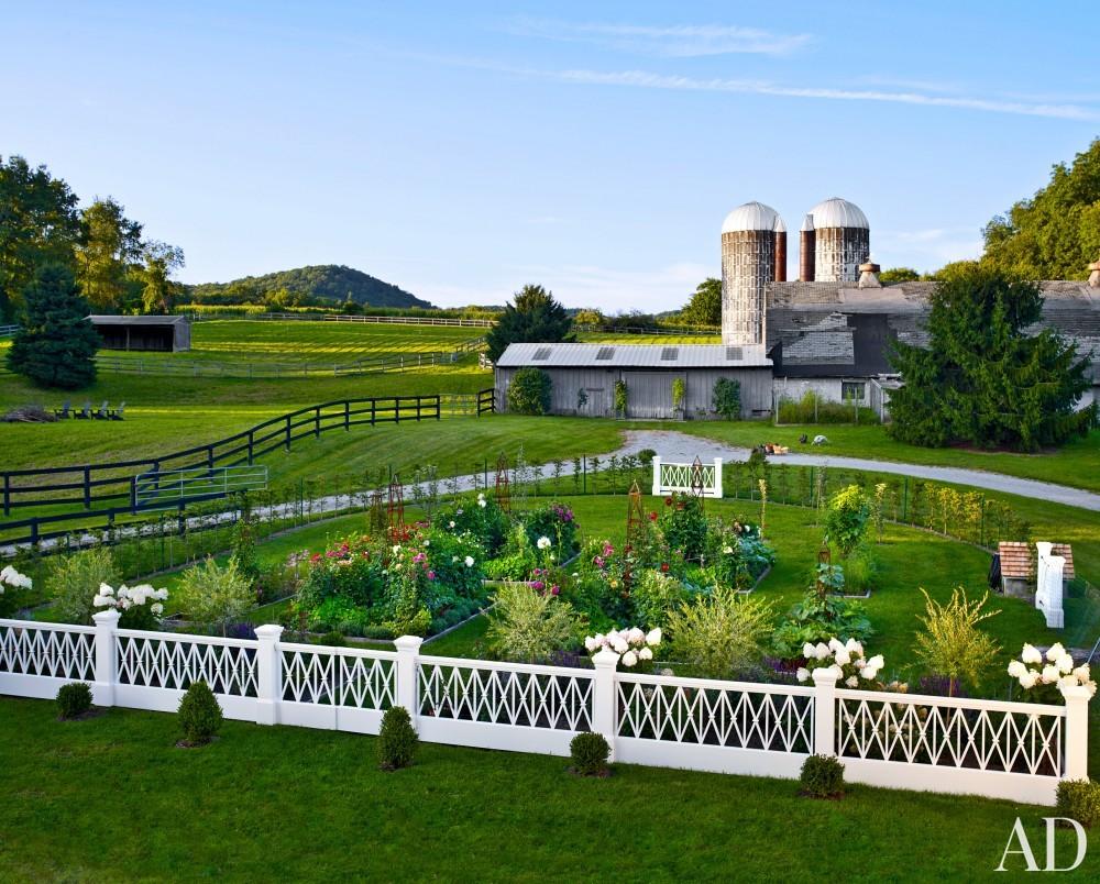 Traditional Garden by Harry Heissmann and Jonathon Parisen in Hudson Valley, NY