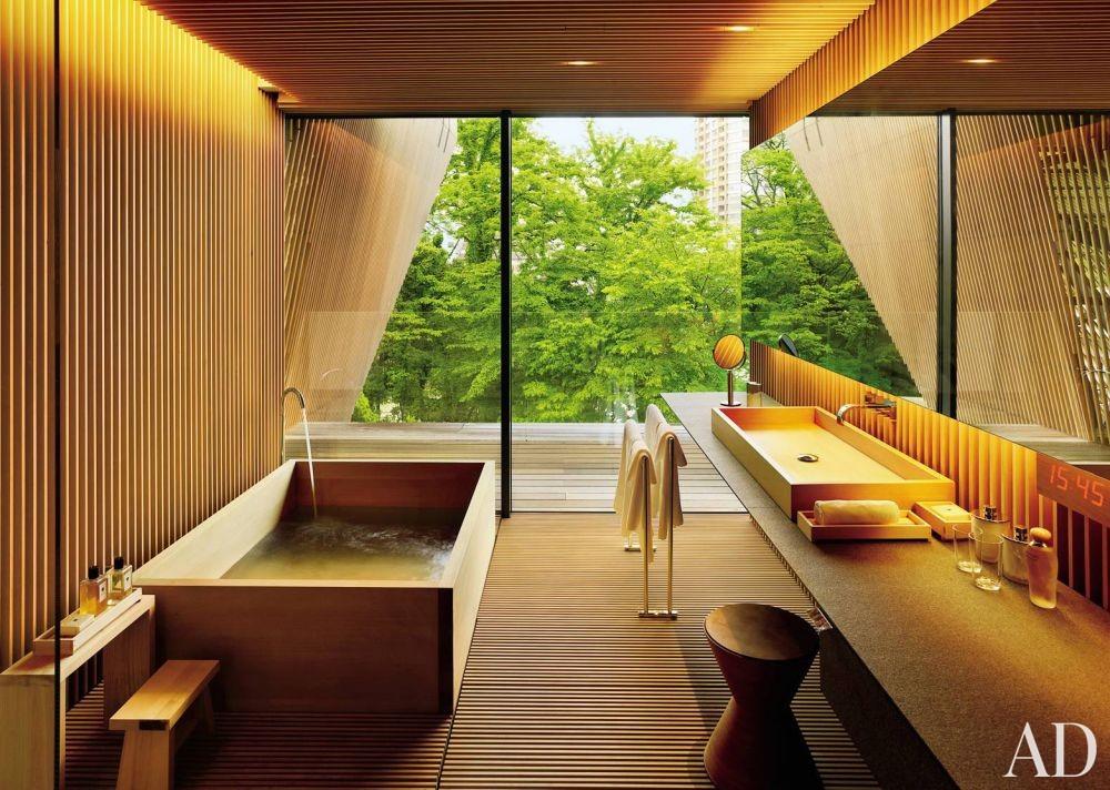 Exotic Bathroom by Mlinaric, Henry & Zervudachi and Kengo Kuma & Associates in Japan