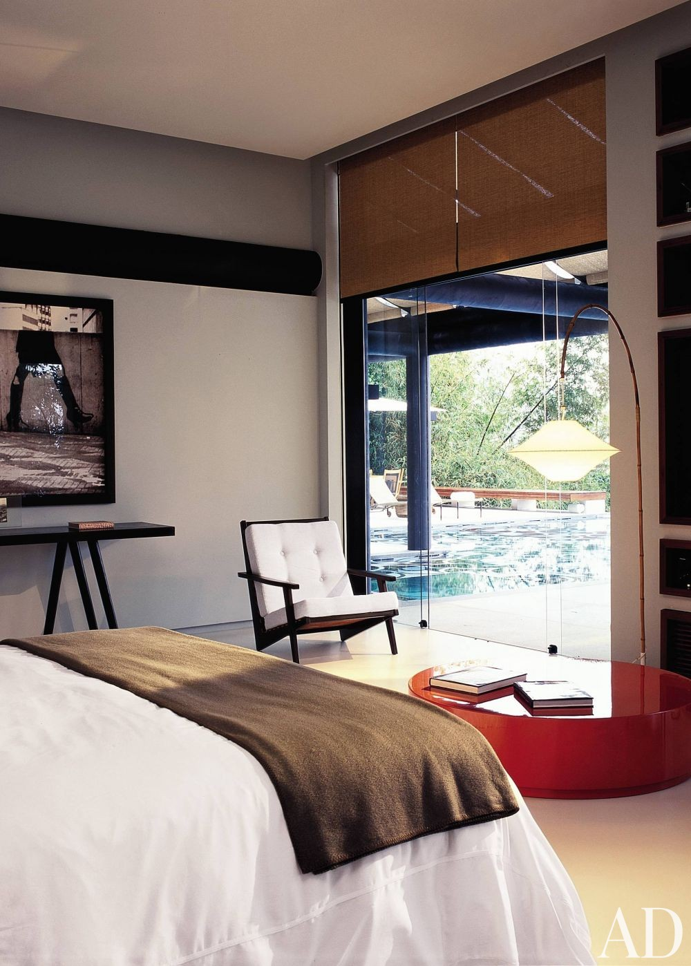 Exotic Bedroom by Mlinaric, Henry & Zervudachi and Luciano Pedrosa in Rio de Janeiro, Brazil