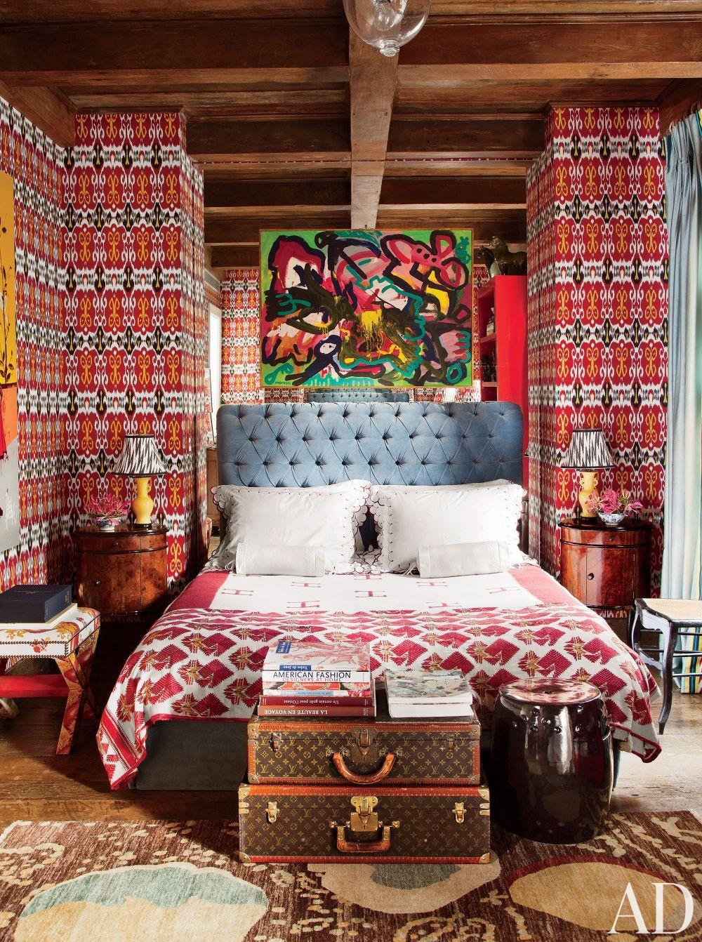 Exotic Bedroom by Sig Bergamin in São Paulo, Brazil