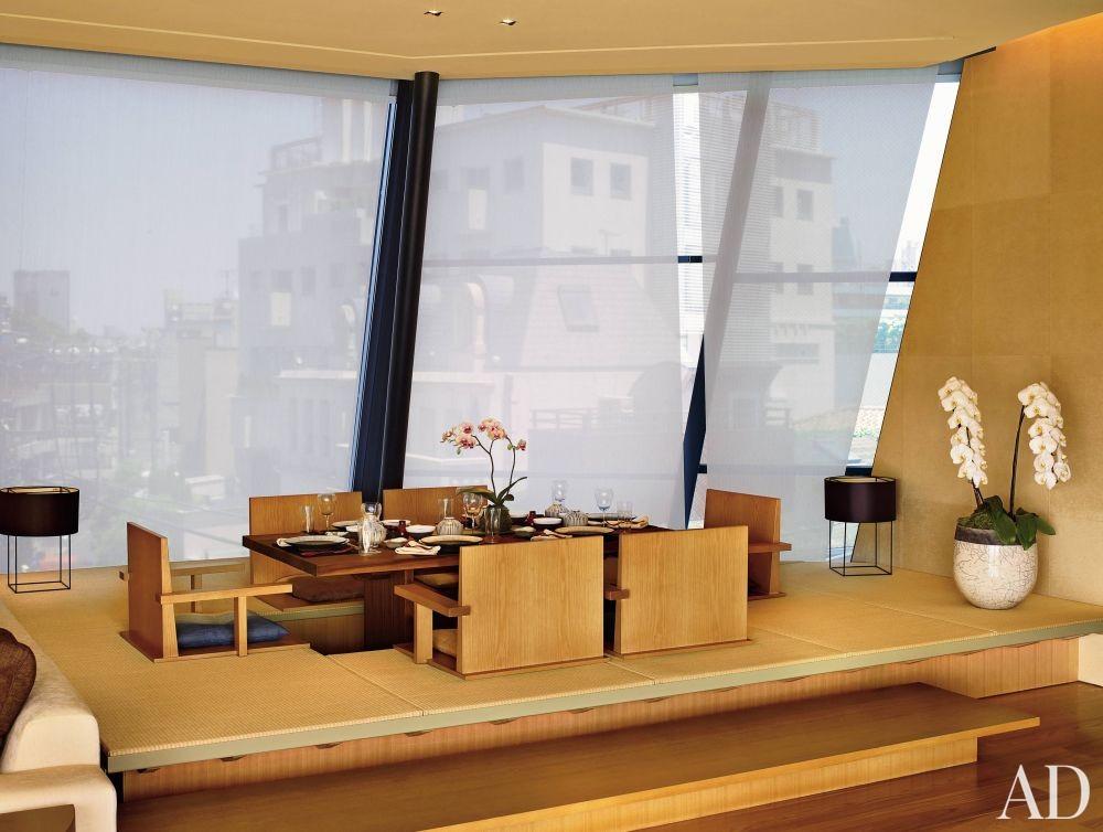 Exotic Dining Room by Mlinaric, Henry & Zervudachi and Kengo Kuma & Associates in Japan