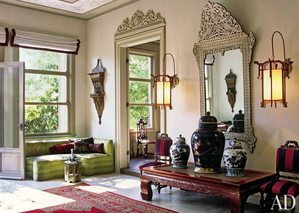 Exotic Entrance Hall by Derdar Gülgün in Istanbul