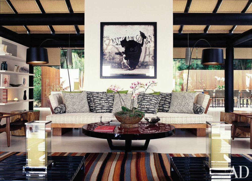 Exotic Living Room by Mlinaric, Henry & Zervudachi and Luciano Pedrosa in Rio de Janeiro, Brazil