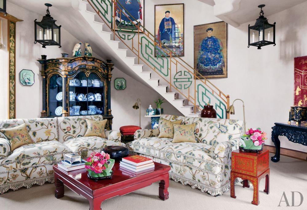 Valentino Garavani\'s Exotic Living Room in France