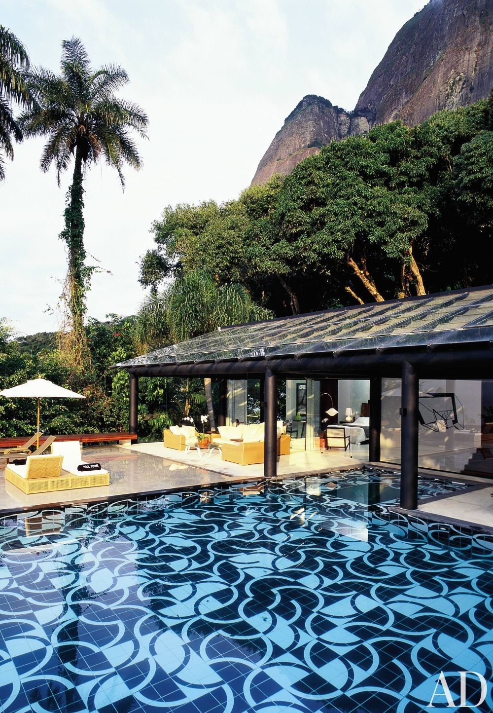 Exotic Pool by Mlinaric, Henry & Zervudachi and Luciano Pedrosa in Rio de Janeiro, Brazil