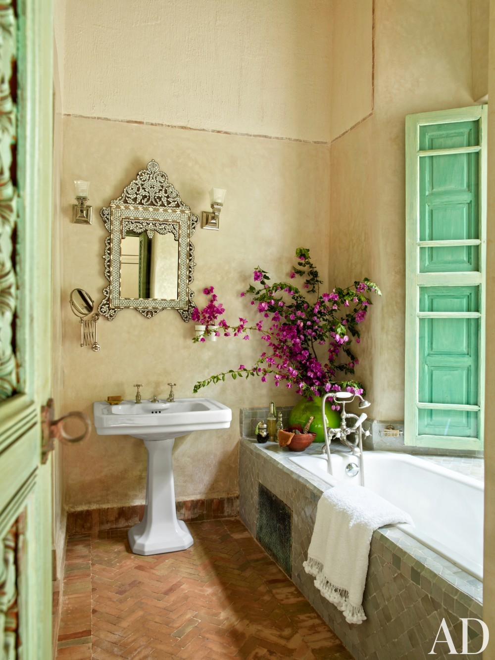 Exotic Bathroom by Ahmad Sardar-Afkhami in Marrakech, Morocco