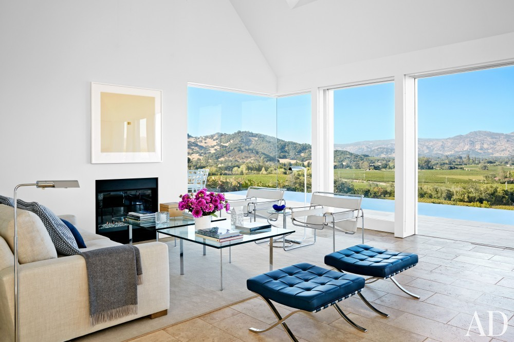 Contemporary Living Room by Jeff Atlas and Jacobsen Architecture in Napa Valley, CA