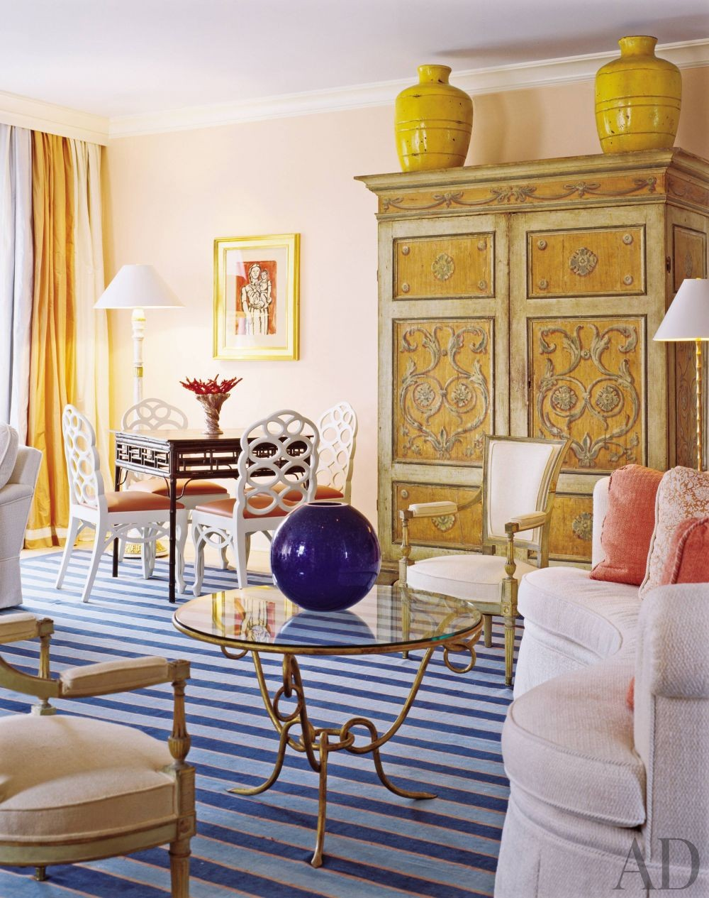Living room by thomas britt inc by architectural digest for Tom hoch interior designs inc