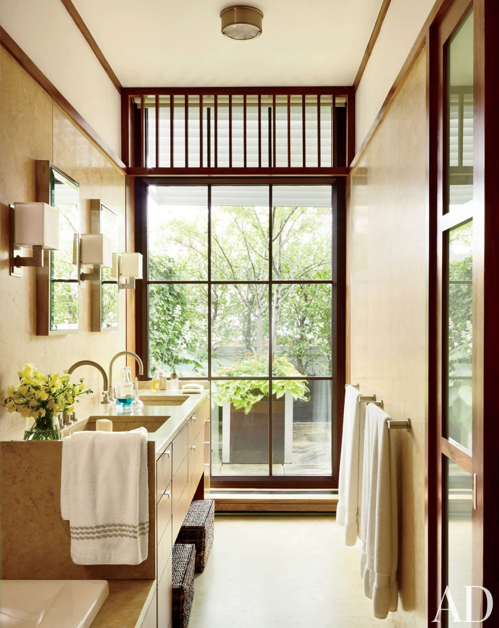 Modern Bathroom by De la Torre Design Studio and Cooper, Robertson & Partners in New York, New York