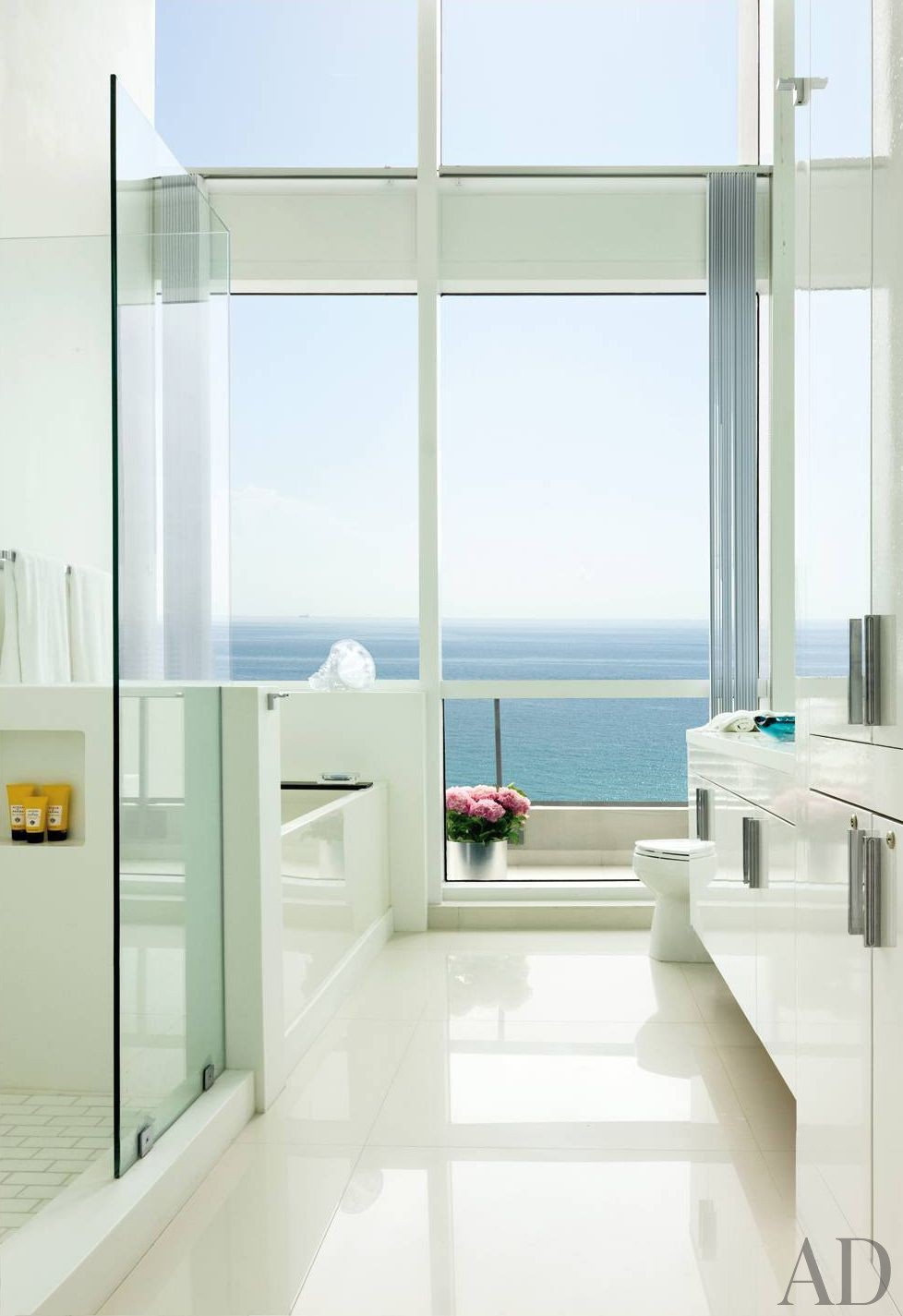 Modern Bathroom By John Barman Inc By Architectural Digest Ad Designfile Home Decorating