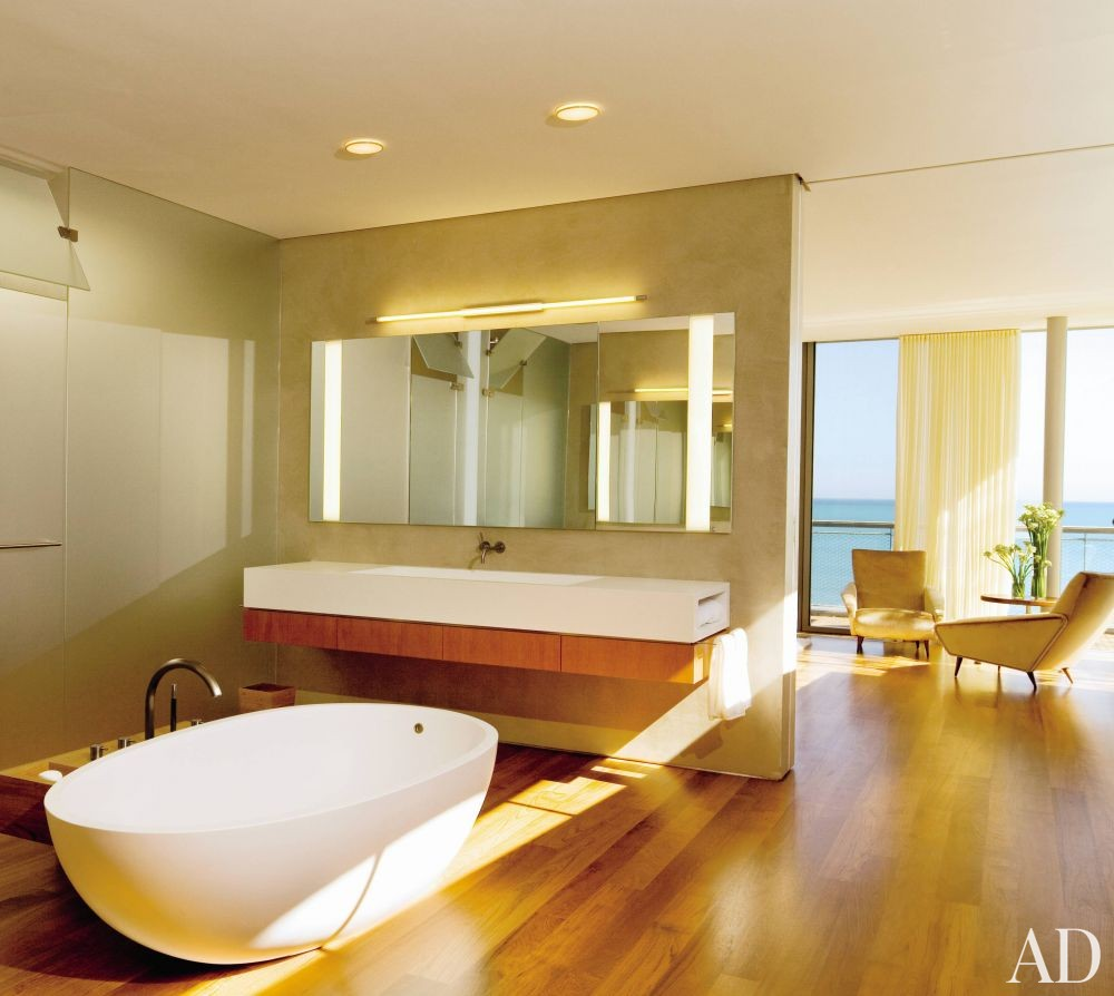 Modern Bathroom by Peter Gluck and Partners, Architects and Insight Environmental Design in Chicago