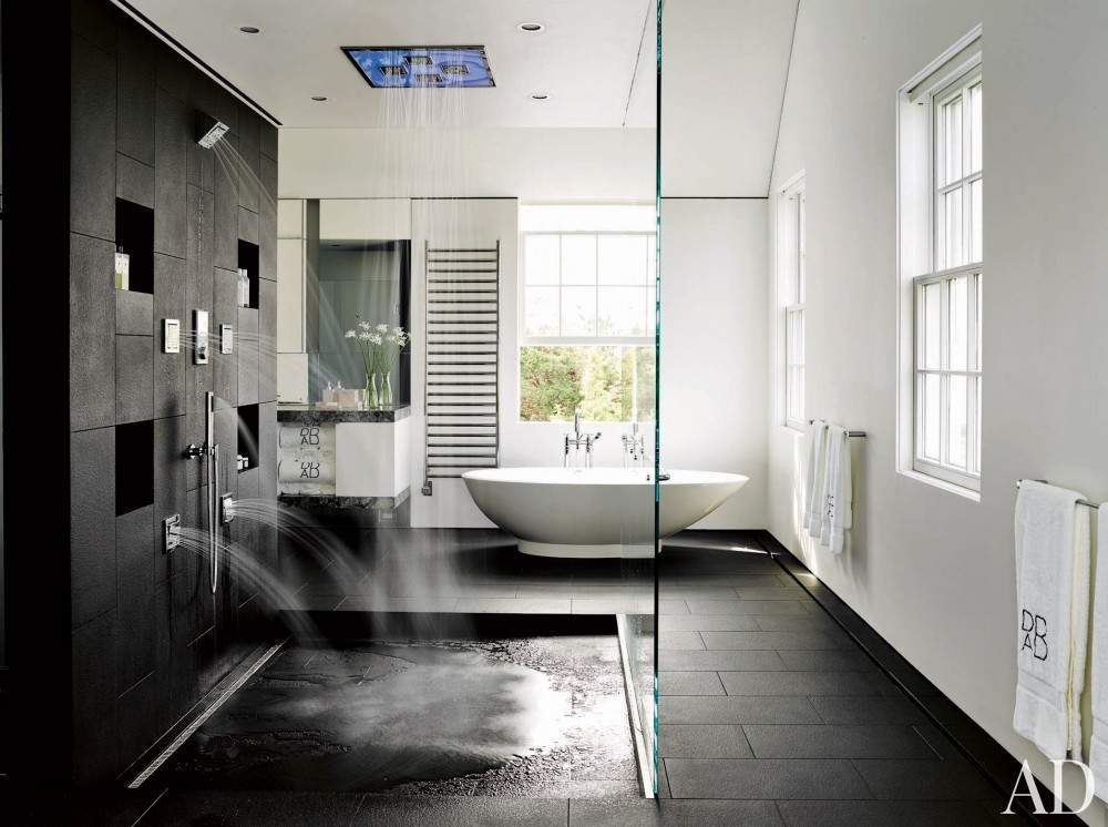 Modern Bathroom by Simon Jacobsen and Jacobsen Architecture in Nantucket, Massachussetts