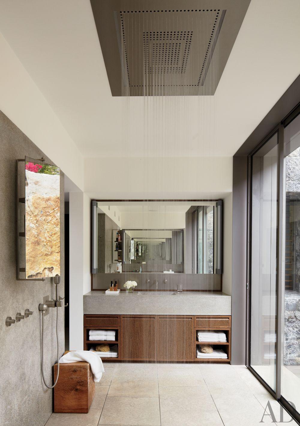 Modern Bathroom and Gwathmey Siegel & Associates Architects in St. Barts