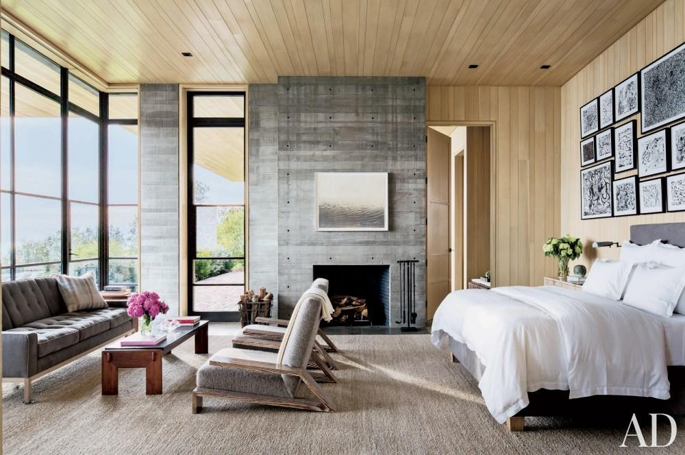 Modern Bedroom by Denise Kuriger and Scott Mitchell in Malibu, California