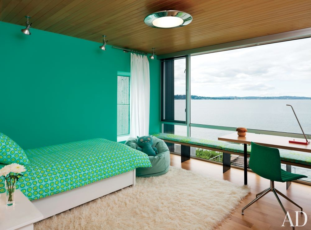 Modern Children\'s Room by Stretch Design and E. Cobb Architects in Mercer Island, Washington