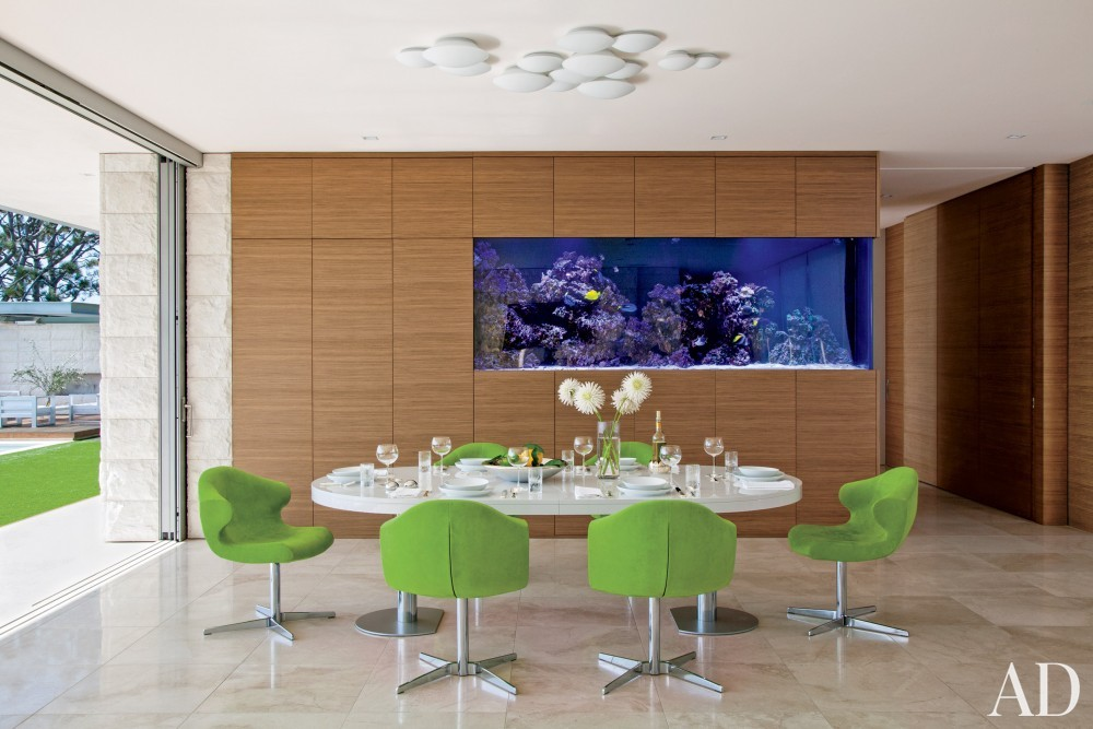 Modern Dining Room by Sarah McElroy and Steven Ehrlich in Laguna Beach, CA