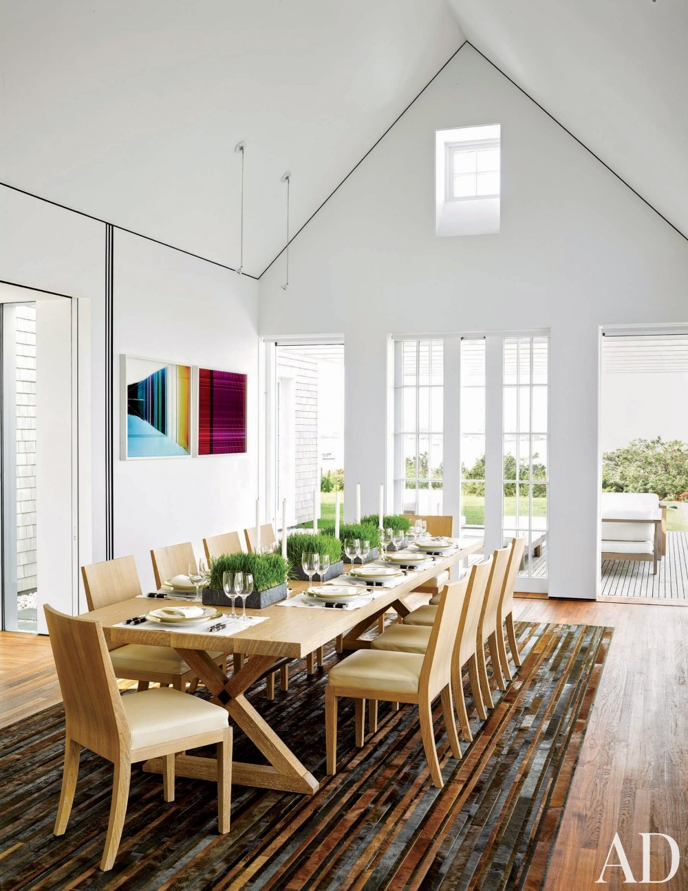 Modern Dining room by Simon Jacobsen and Jacobsen Architecture in Nantucket, Massachussetts