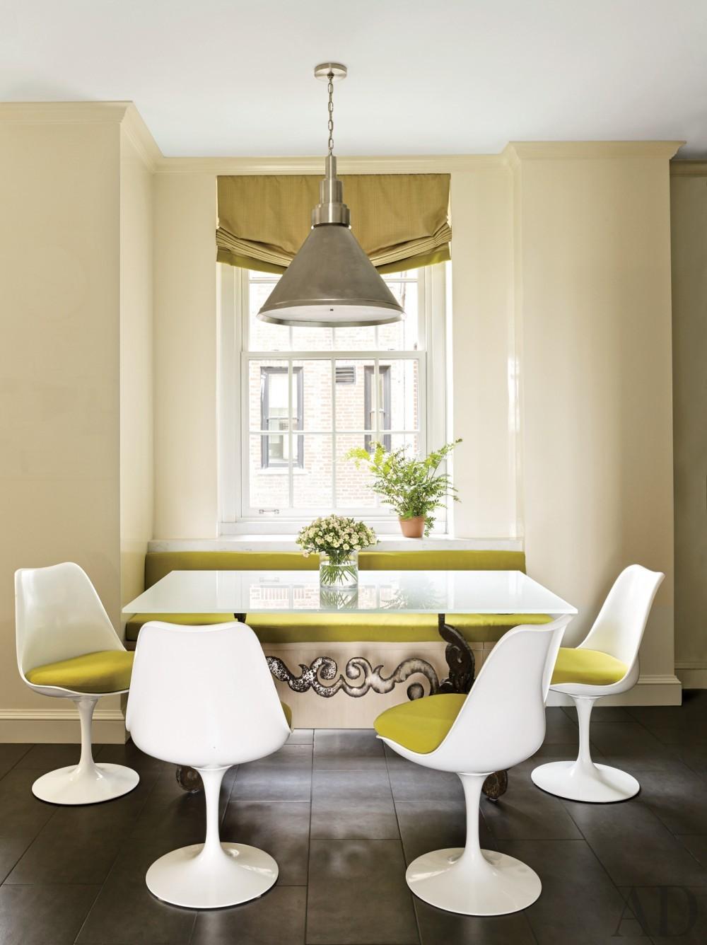 Modern Dining Room by Stephen Sills Associates and John B. Murray Architect in New York, New York