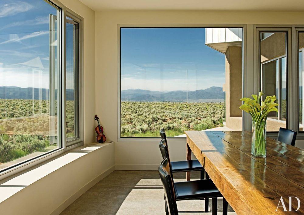 Modern Dining Room and Antoine Predock in Taos, New Mexico