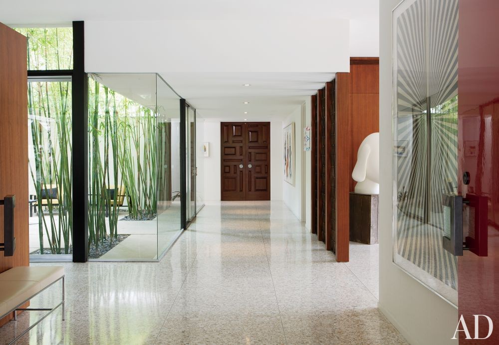Modern Entrance Hall by Brad Dunning Design in Beverly Hills, California