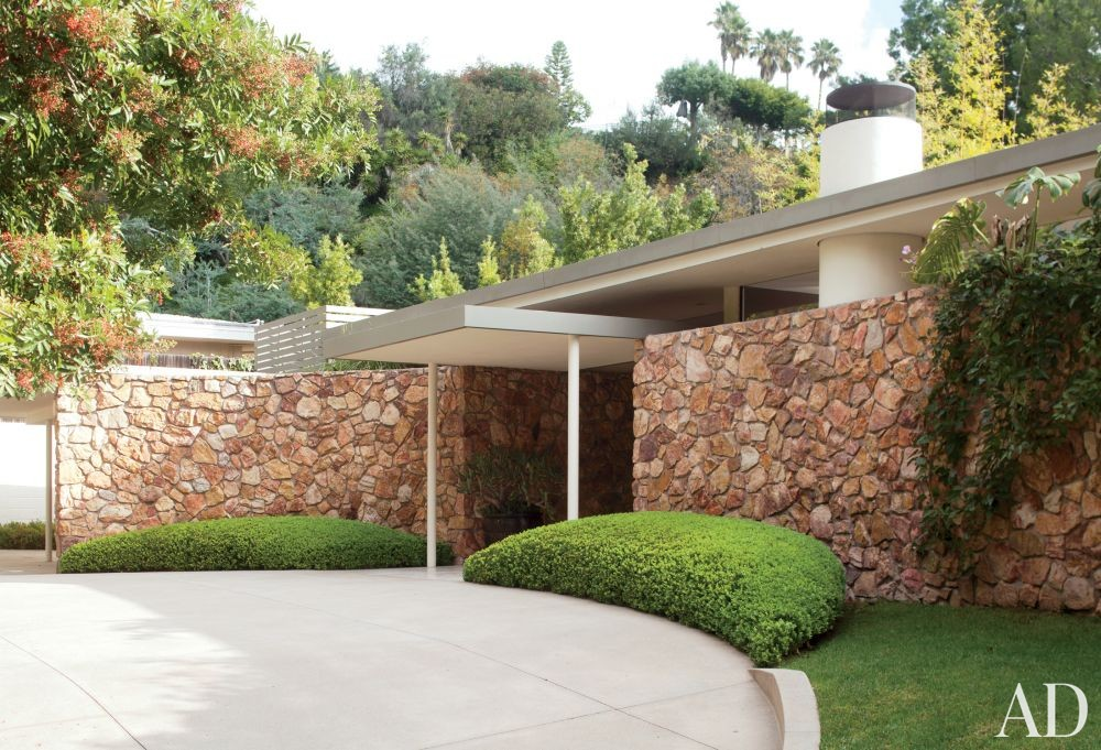 Modern Exterior by Brad Dunning Design in Beverly Hills, California