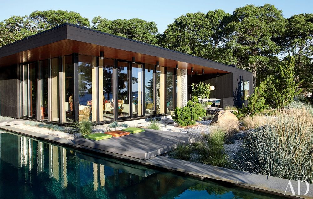 Modern Exterior by Jonathan Adler and Gray Organschi Architecture in Shelter Island, New York