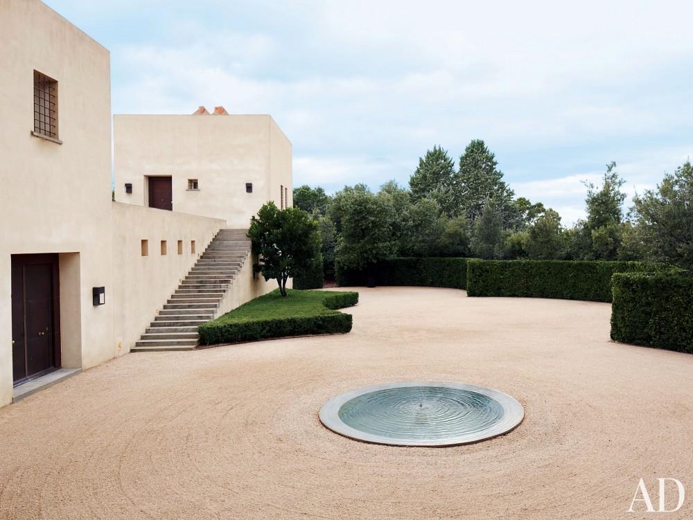 Modern Exterior in Madrid, Spain